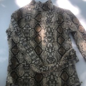 Tops - Snake skin designed bodysuit